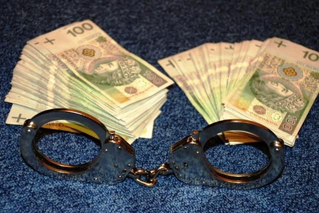 W sprawie wręczono łącznie blisko 100 tys. zł łapówki