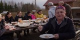 Robert Makłowicz u Tatarów. Mistrz gotował na Podlasiu. Jeden z odcinków nakręcił w Kruszynianach (ZDJĘCIA, WIDEO)
