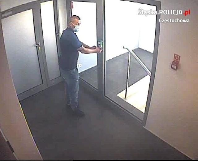 Chcieli oszukać firmę spod Częstochowy na 3 mln zł, ale wpadli i spędzą 3 miesiące w areszcie. Policja szuka ich współpracownika
