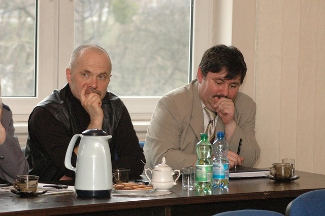 Piotr Rogalski (z lewej) kieruje szpitalem od siedmiu lat.