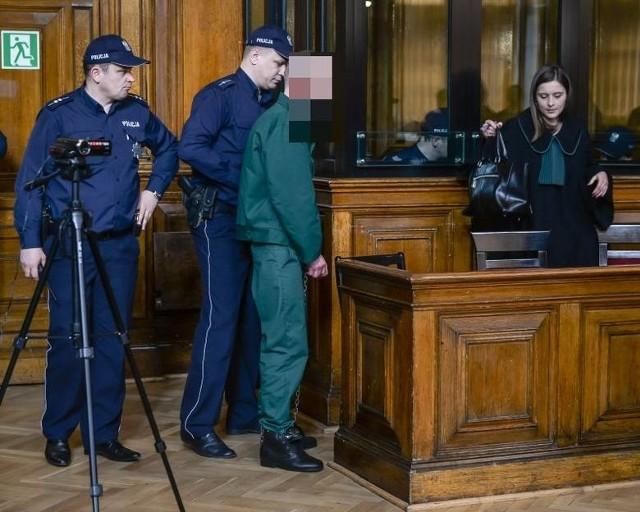 Sprawą Amber Gold zajmuje się Sąd Okręgowy w Gdańsku. Proces   rozpoczął się w marcu 2016 roku. Oskarżony jest m.in. Marcin P.
