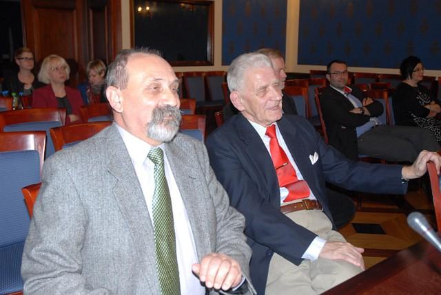 Radni Antoni Krechowiec i Eugeniusz Patyk nie są już w komisji oświaty. Ale jak widać humory na sesji ich nie opuszczały.