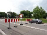 Zamknięto fragment ul. Obywatelskiej, ale kierowcy i tak tu wjeżdżają ZDJĘCIA