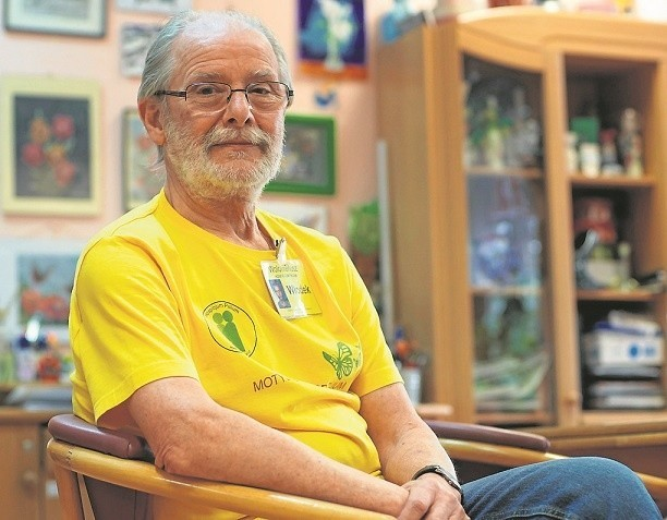 Włodzimierz Nowakowski pracuje jako wolontariusz w poznańskim Hospicjum Palium od 1999 roku