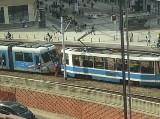 Zderzenie dwóch tramwajów na Kazimierza Wielkiego. Są utrudnienia