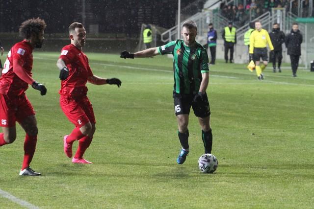 Stal Stalowa Wola w przyszły weekend zainauguruje swoją grę w rozgrywkach wiosennych grupy czwartej piłkarskiej trzeciej ligi. Znamy już kadrę stalowowolskiego zespołu na drugą część sezonu.