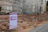Była kamienica, jest działka do wzięcia. Do kupienia 1500 metrów kwadratowych w centrum miasta