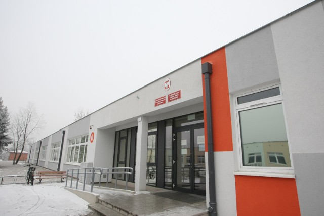 Szkoła Podstawowa nr 40,  ulica Sołtysowicka