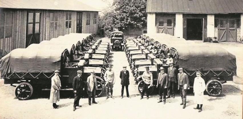 Można się domyślać, że latem 1915 roku fotograf uwiecznił...