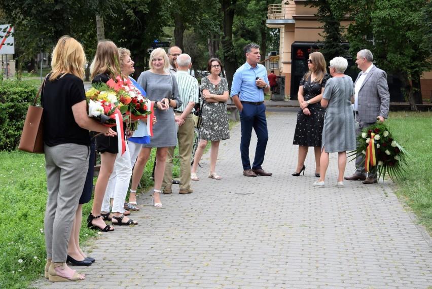 Pod pomnikiem Jana Kasprowicza przy ul. Solankowej w...