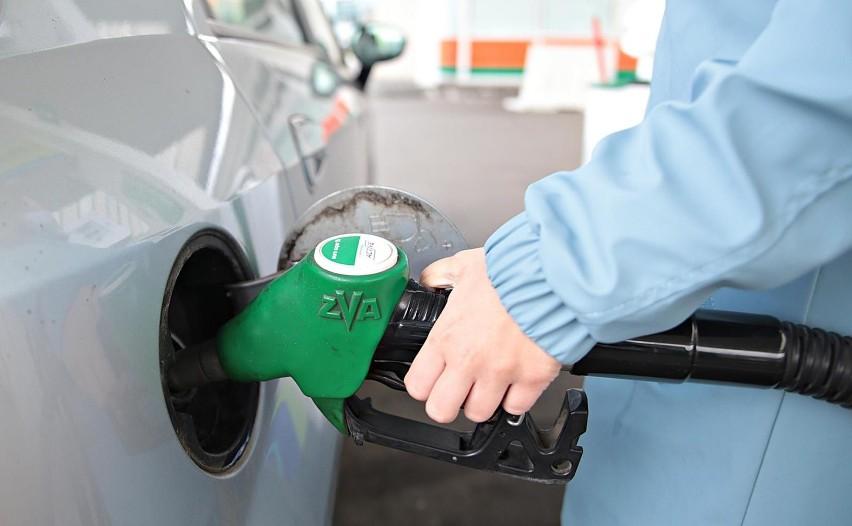 Początek przyszłego roku przyniesie wzrost opłaty paliwowej....