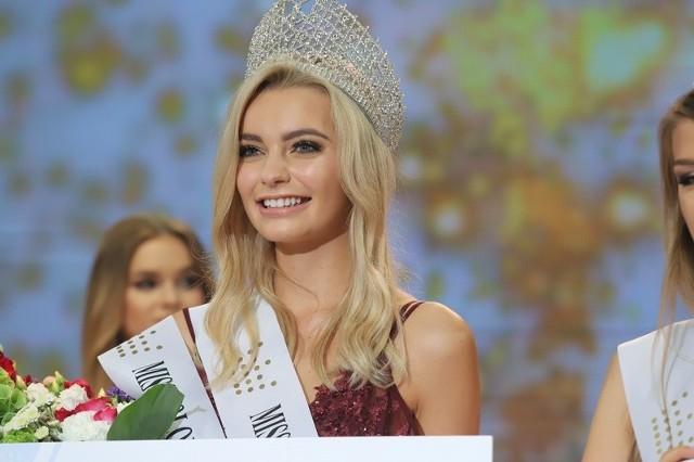 Karolina Bielawska - Miss Polonia 2019. Zdjęcia z finału wyborów Miss Polonia Województwa Łódzkiego, w których także triumfowała.