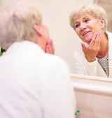 Na jakość naszej starości pracujemy już w młodości. Jak radzić sobie ze starzeniem i zmianami jakie ze sobą niesie?