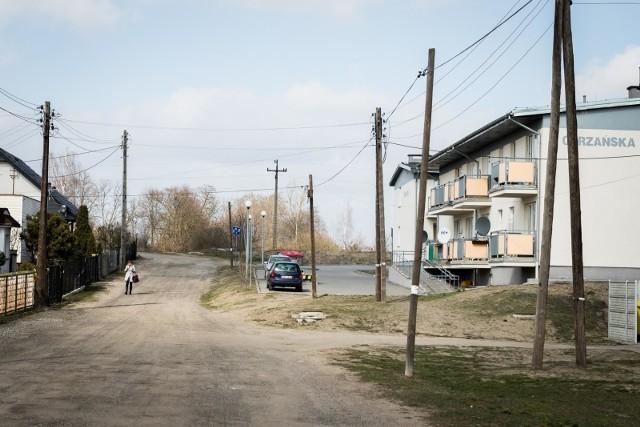 Mieszkania gminne w Bydgoszczy mieszczą się przede wszystkim w przedwojennych kamienicach, ale w nowoczesnych blokach, jak np. na ul. Odrzańskiej (na zdjęciu) te lokale też się znajdują.