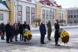 Białystok. 102. rocznica odzyskania niepodległości. Były kwiaty, wieńce od władz miasta. Ale też quest terenowy