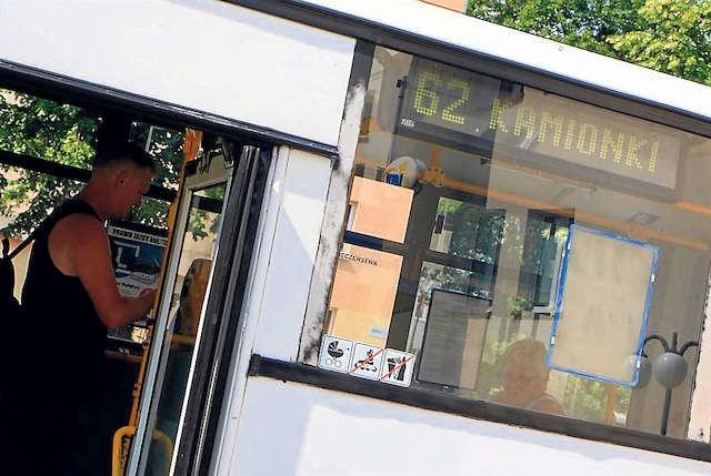 W autobusach MZK Linii nr 62 respektowane są tylko bilety jednorazowe lub karnety ośmioprzejazdowe