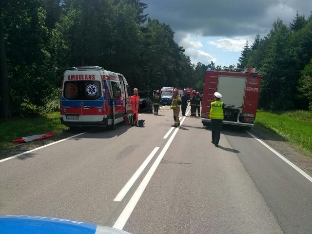 Po jednego z poszkodowanych lądował śmigłowiec LPR.