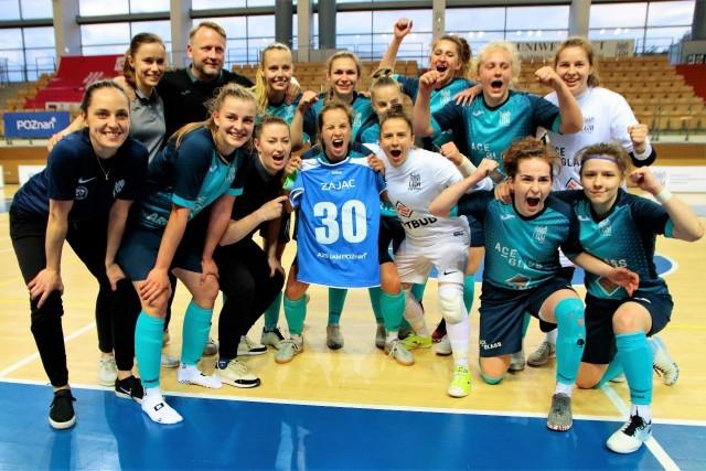 Tak futsalistki AZS UAM świętowały awans do Final Four Pucharu Polski. Z koszulką nr 30 kapitan poznańskiej drużyny, Alicja Zając