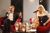 Tłumy w MBP w Opolu na spotkaniu z Marią Szabłowską i Krzysztofem Szewczykiem [zdjęcia, video]