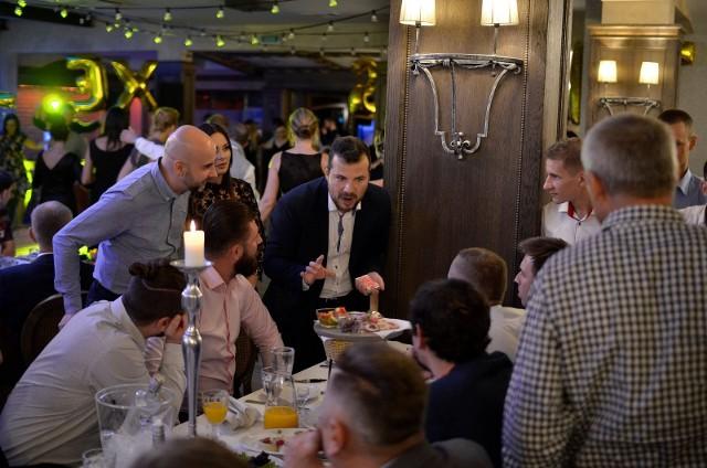 """27 września firma ALEX Sp. z o.o. obchodziła 20-lecie istnienia. Jubileusz odbył się w restauracji """"Lipcowy Ogród"""" w Białymstoku"""
