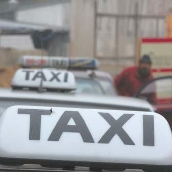 O taksówkę na sylkwestra może być naprawdę trudno.
