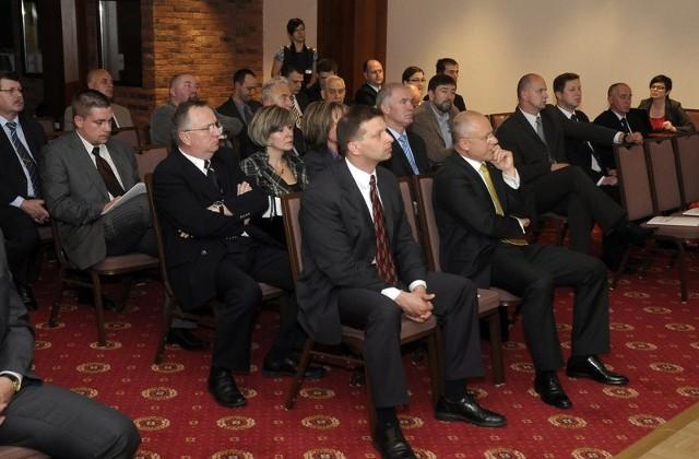 W panelach udział biorą chętnie mieszkańcy regionu, a zwłaszcza przedsiębiorcy i ekonomiści.
