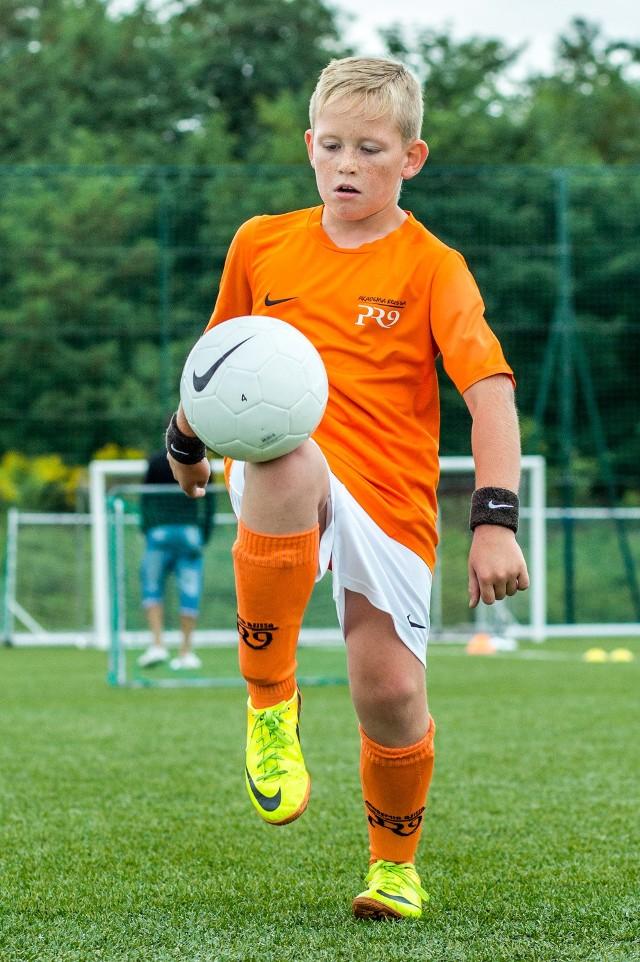 Młodzi piłkarze są w Akademii pod stałą opieką lekarzy