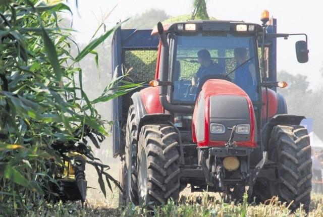W 2014 roku w Polsce zarejestrowano 14172 nowe ciągniki rolnicze. To o ponad 5 proc. mniej niż przed rokiem. Najlepszymi miesiącami okazały się marzec i grudzień.