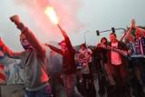 Kibice Lecha i Cracovii przemaszerowali na mecz [ZDJĘCIA]