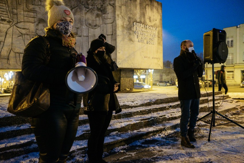 Pabianice. Kolejny Strajk Kobiet w Pabianicach. Pabianiczanie zbiorą się na Starym Rynku