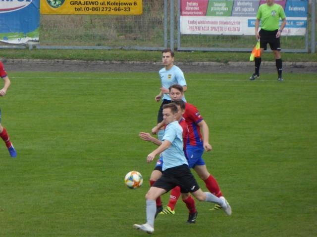 W meczu w Grajewie po między Warmią, a Biebrzą Goniądz zdecydowaną przewagę miała drużyna gospodarzy.