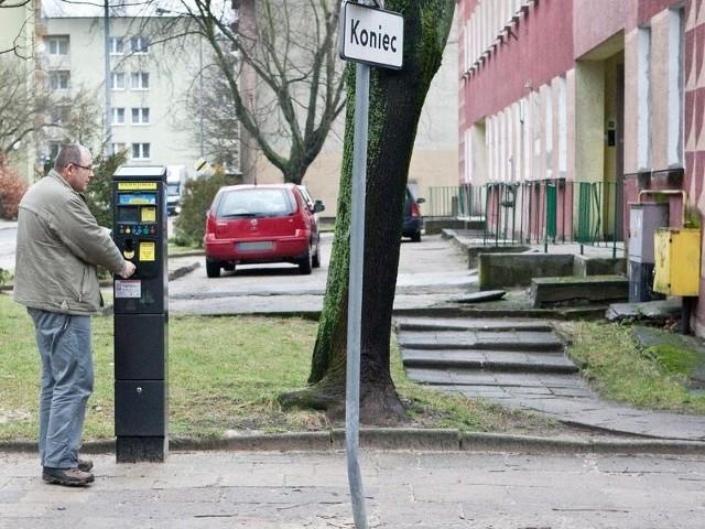 Rodzice dzieci ze żłobka przy ul. Łukasiewicza chcą zostać zwolnieni od opłat za parkowanie przez budynkiem na czas obierania maluchów.