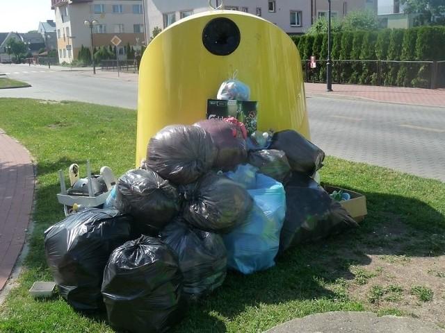 Mieszkańcy segregujący śmieci zapłacą o wiele mniej za ich odbiór niż osoby, które na segregowanie się nie zdecydowały.