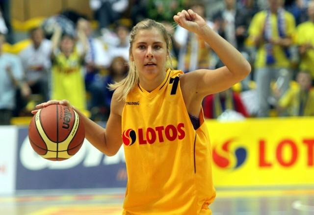 Babkina w sezonie 2010/11 reprezentowała barwy Lotosu Gdynia