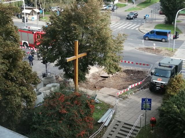 Niewybuch na ul. Jodłowej na os. Kaliny w Szczecinie