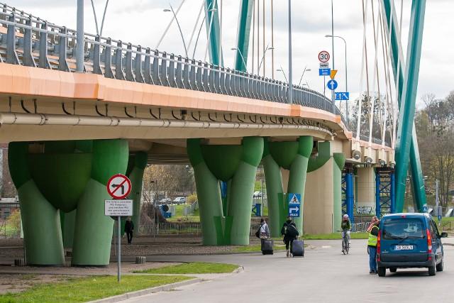 Ostatecznie pięć firm zdecydowało się złożyć swoje oferty na remont mostu na Trasie Uniwersyteckiej w Bydgoszczy.