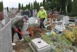 Dzięki pracy unisławian jest mniej zaniedbanych grobów [zdjęcia]