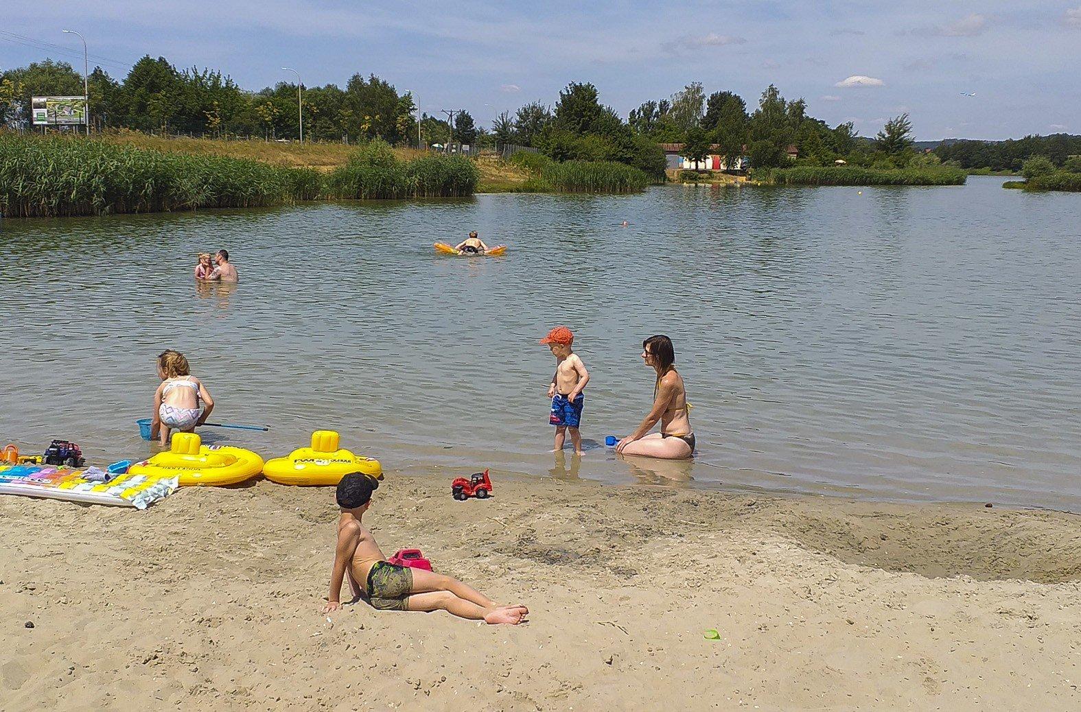 Weekend Nad Zalewem Kryspinow Slonce Woda Plaza I Brak Tlumow
