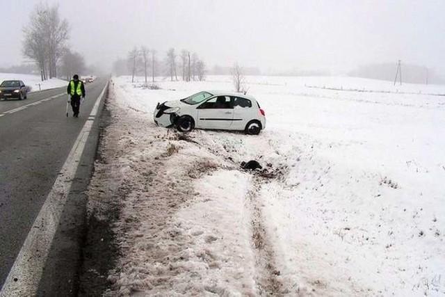 Kierowcy wolą zjechać na pobocze niż doprowadzić do czołowego zderzenia