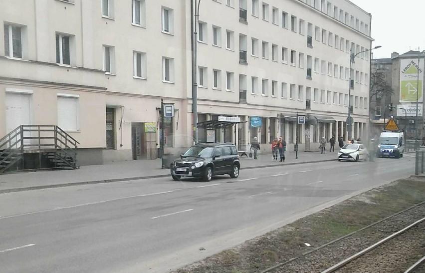 15-latek potrącony przez samochód za skrzyżowaniem z ulicą Lutomierską