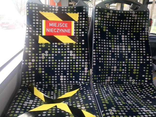 W drugiej połowie marca (to zdjęcia właśnie z tego okresu) autobusy jeździły praktycznie puste.
