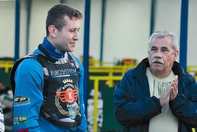 Trener Kolejarza Opole Andrzej Maroszek (z prawej) może zacierać ręce, bo wydaje się, że ma mocniejszy zespół niż przed rokiem. Jednym z jego liderów powinien być Rafał Fleger (z lewej).