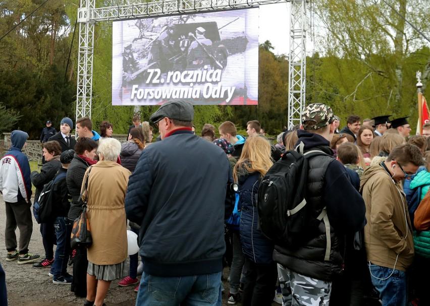 72. rocznica forsowania Odry. Uroczystości w Starych Łysogórkach [zdjęcia, wideo]