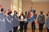 """""""Kryształowe Gwiazdy"""" rozdane. Policjanci z Poznania zostali wyróżnieni prestiżową nagrodą za uratowanie życia. Zobacz zdjęcia"""