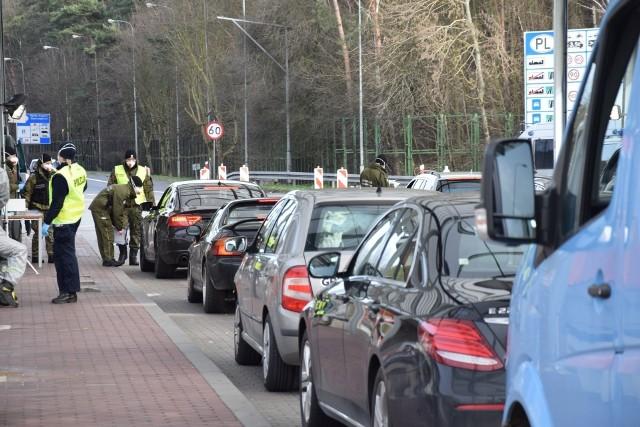 Pracownicy transgraniczni żądają możliwości dojazdów do pracy po drugiej stronie Odry.