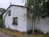 Andrzej Świątkowski z Łazieńca ma dom bez dachu i toalety. Żyje za 150 zł miesięcznie [zdjęcia]