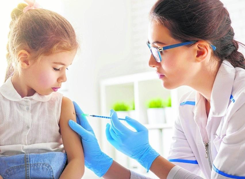 Szczepienia dzieci. EMA wydała pozytywną rekomendację dla preparatu Pfizer/ BioNTech. Jest także pozytywna opinia Rady medycznej