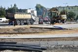 Budowa ronda w Szubinie wciąż trwa. Wykonawca zawalił kolejny termin [zdjęcia]
