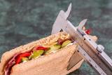 Jedz i chudnij! 10 produktów na szybszy metabolizm i sprawniejsze spalanie kalorii oraz tkanki tłuszczowej