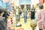 Toruń. Zebraliśmy aż trzy kosze zabawek. Trafią do dzieci z Kosowa